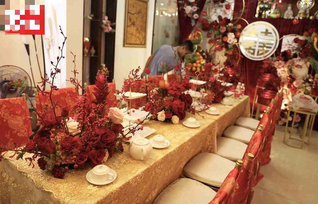 Biệt thự nhà Ông Cao Thắng đỏ rực và lộng lẫy theo phong cách người Hoa trong ngày ăn hỏi - Ảnh 5.