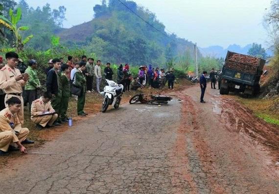 Sơn La: Xe tải gây tai nạn liên hoàn khiến 2 người thương vong - Ảnh 1.