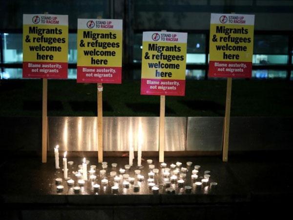 Cảnh sát Anh nói lý do chậm công bố tên 39 người Việt chết trên xe container - Ảnh 1.