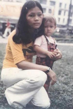 Người phụ nữ babylift tìm được mẹ Việt sau 44 năm  - Ảnh 1.