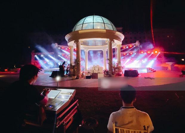 Không gian tiệc cưới cổ tích của Đông Nhi - Ông Cao Thắng - Ảnh 3.