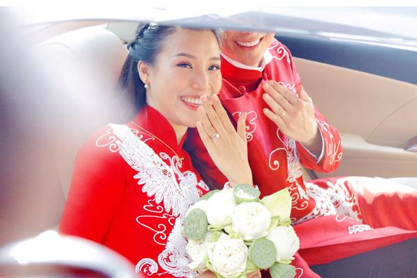 Bố mẹ chồng Tây làm điều tuyệt vời  trong lễ rước dâu Á hậu Hoàng Oanh khiến ai cũng ngỡ ngàng  - Ảnh 9.