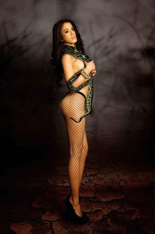 Hoa hậu Mai Phương Thúy, Ngọc Quyên, Madonna sẵn sàng nude để làm gì? - Ảnh 3.