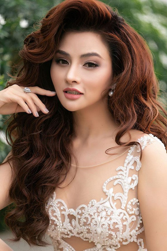 Tôi là Hoa hậu Hoàn vũ Việt Nam: Bị chê sỗ sàng khi vỗ mặt Thúy Vân bụng to, Vũ Thu Phương lên tiếng - Ảnh 1.