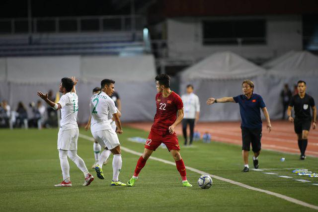 U22 Việt Nam ngược dòng thắng Indonesia 2-1 vào phút bù giờ - Ảnh 1.