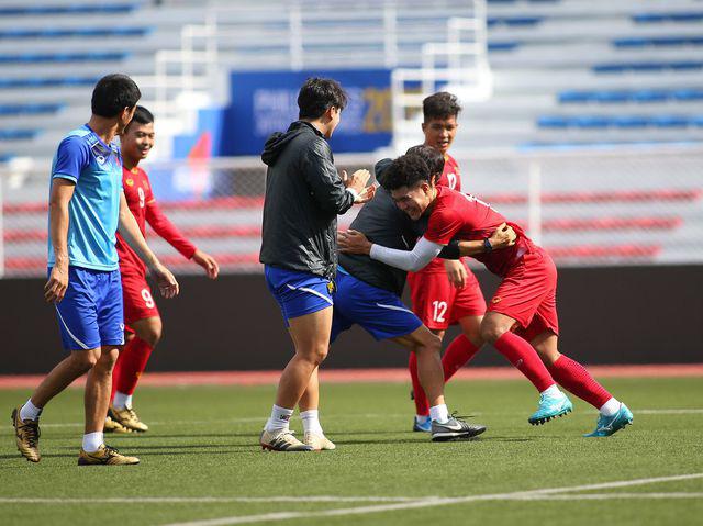 U22 Việt Nam ngược dòng thắng Indonesia 2-1 vào phút bù giờ - Ảnh 39.