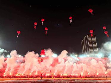 Hàng triệu người dân Việt xuống đường mừng chiến thắng 3-0 của U22 - Ảnh 13.