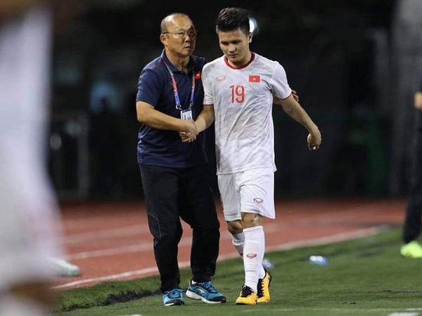 Bố Quang Hải hồi hộp, lo lắng về thông tin con trai sẽ vào sân khi tình trạng sức khỏe chưa cải thiện - Ảnh 1.