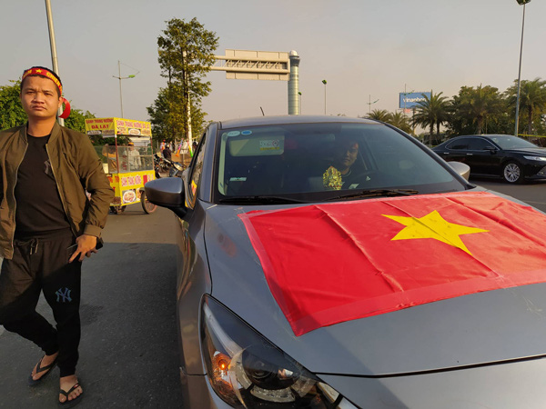 Thủ tướng Nguyễn Xuân Phúc chúc mừng HLV Park Hang-seo, Mai Đức Chung và toàn thể các cầu thủ vàng của bóng đá Việt Nam - Ảnh 38.