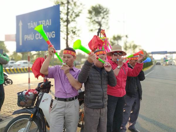 Thủ tướng Nguyễn Xuân Phúc chúc mừng HLV Park Hang-seo, Mai Đức Chung và toàn thể các cầu thủ vàng của bóng đá Việt Nam - Ảnh 39.