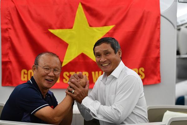 Thủ tướng Nguyễn Xuân Phúc chúc mừng HLV Park Hang-seo, Mai Đức Chung và toàn thể các cầu thủ vàng của bóng đá Việt Nam - Ảnh 42.