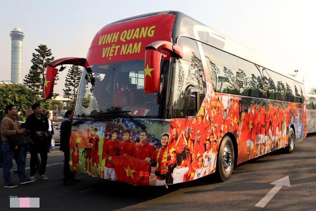 Thủ tướng Nguyễn Xuân Phúc chúc mừng HLV Park Hang-seo, Mai Đức Chung và toàn thể các cầu thủ vàng của bóng đá Việt Nam - Ảnh 27.