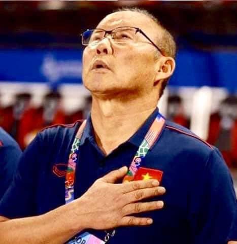 Biểu cảm đáng giá trên khuôn mặt của ông Park Hang-seo trong trận chung kết SEA Games 30 - Ảnh 2.