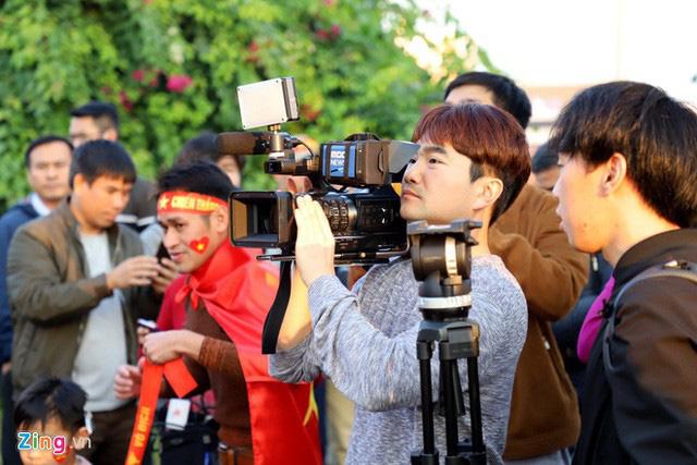 Thủ tướng Nguyễn Xuân Phúc chúc mừng HLV Park Hang-seo, Mai Đức Chung và toàn thể các cầu thủ vàng của bóng đá Việt Nam - Ảnh 28.