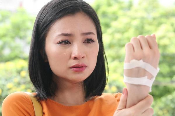 Trai tài gái sắc đắt show màn ảnh Việt nhưng vẫn theo gia đình sang Mỹ - Ảnh 1.