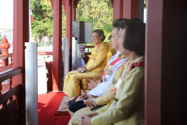 Em gái nhà vua Thái Lan bất ngờ xuất hiện đầy mạnh mẽ sau khi nhập viện cấp cứu vì bệnh tim - Ảnh 3.