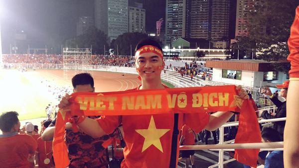 Lộ quá khứ đầy bất ngờ của phi công lái chuyến bay đưa U22 Việt Nam về nước - Ảnh 1.