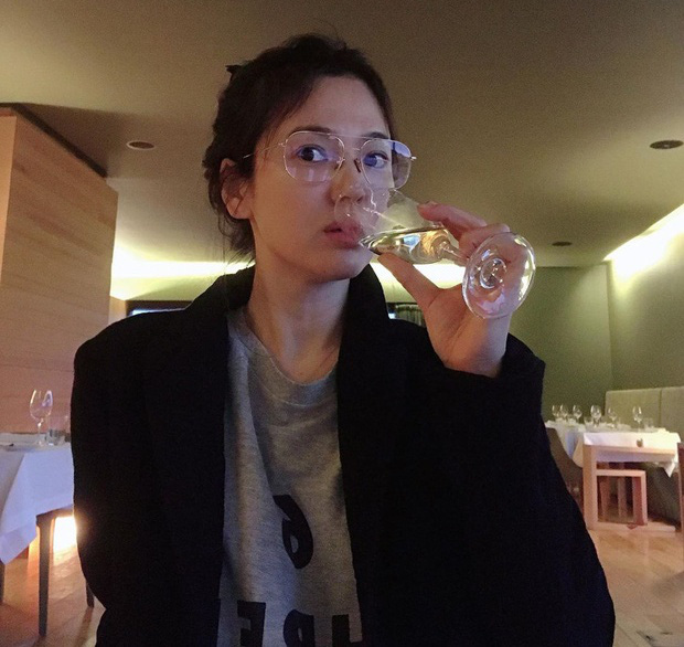Song Hye Kyo mặt mộc trẻ trung ở tuổi U40 - Ảnh 1.