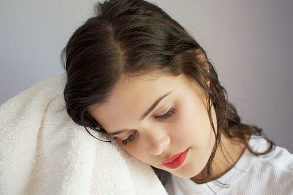 3 không khi tắm và 3 không khi gội đầu giúp cơ thể luôn khỏe mạnh - Ảnh 2.