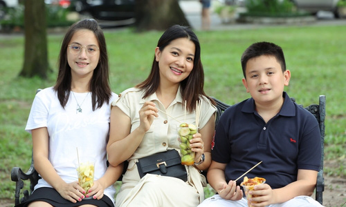 Cuộc sống bốn sao Việt định cư ở châu Âu - Ảnh 3.