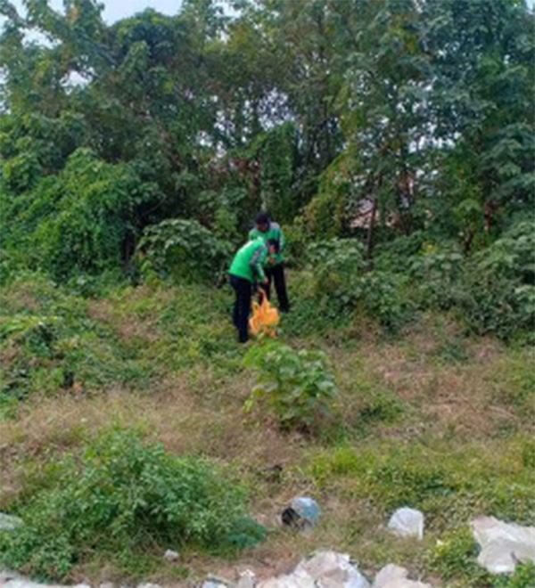 Hà Nội : Người dân hốt hoảng phát hiện xác thai nhi bọc trong túi ni lông ở bãi rác - Ảnh 2.