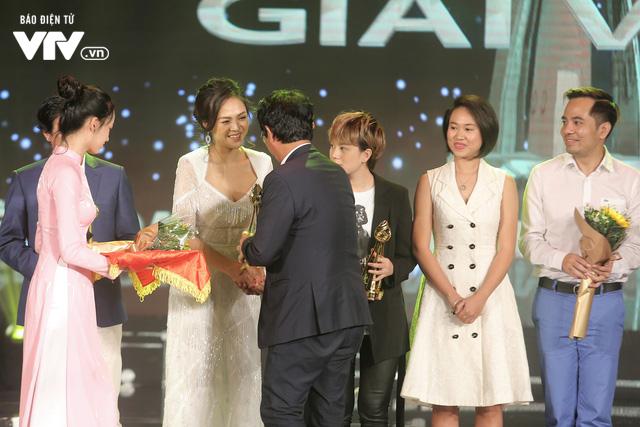 Thu Quỳnh ngỡ ngàng nhưng đầy hạnh phúc với giải thưởng đầu tiên tại LHTHTQ lần thứ 39 - Ảnh 1.