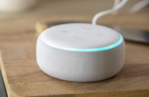 5 trung tâm điều khiển nhà thông minh phổ biến 2019 - Ảnh 1.