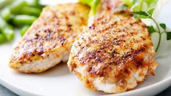 5 thực phẩm không nên hâm nóng lại để ăn vì dễ tạo độc tố - Ảnh 1.