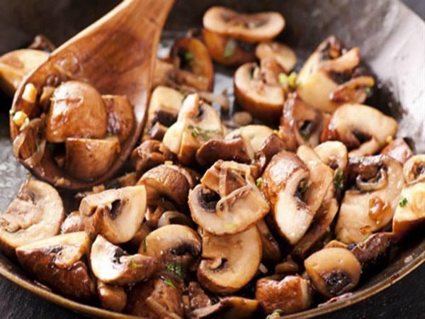 5 thực phẩm không nên hâm nóng lại để ăn vì dễ tạo độc tố - Ảnh 4.