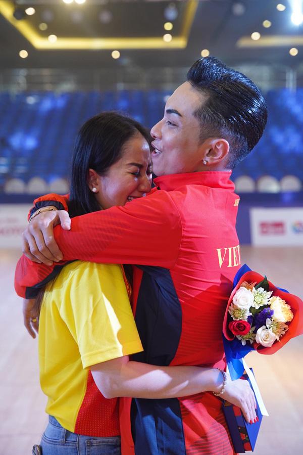 Chồng trẻ giành Huy chương Vàng Sea Games, Khánh Thi khóc nức nở vì quá hạnh phúc - Ảnh 6.