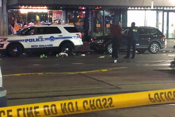 Xả súng tại khu du lịch Mỹ, 10 người bị thương - Ảnh 1.
