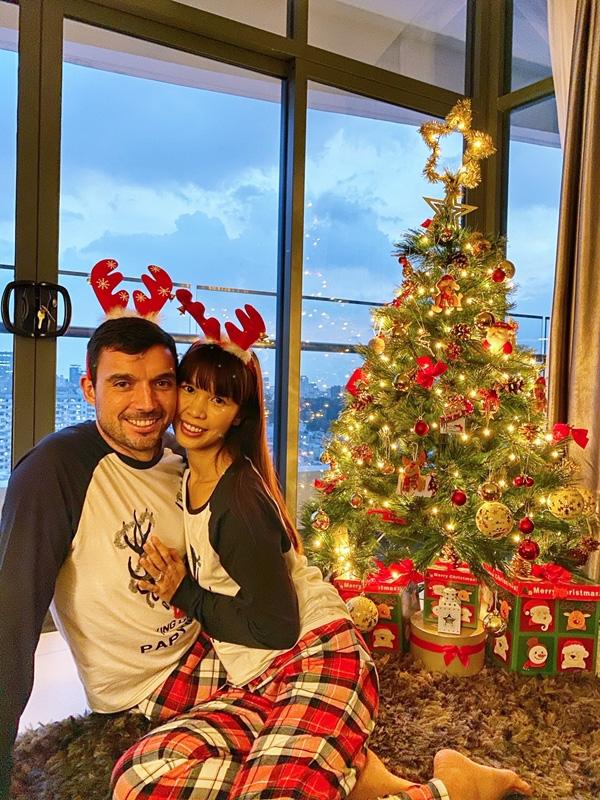 Con gái Hà Anh đón Giáng sinh sớm bên bố mẹ - Ảnh 5.