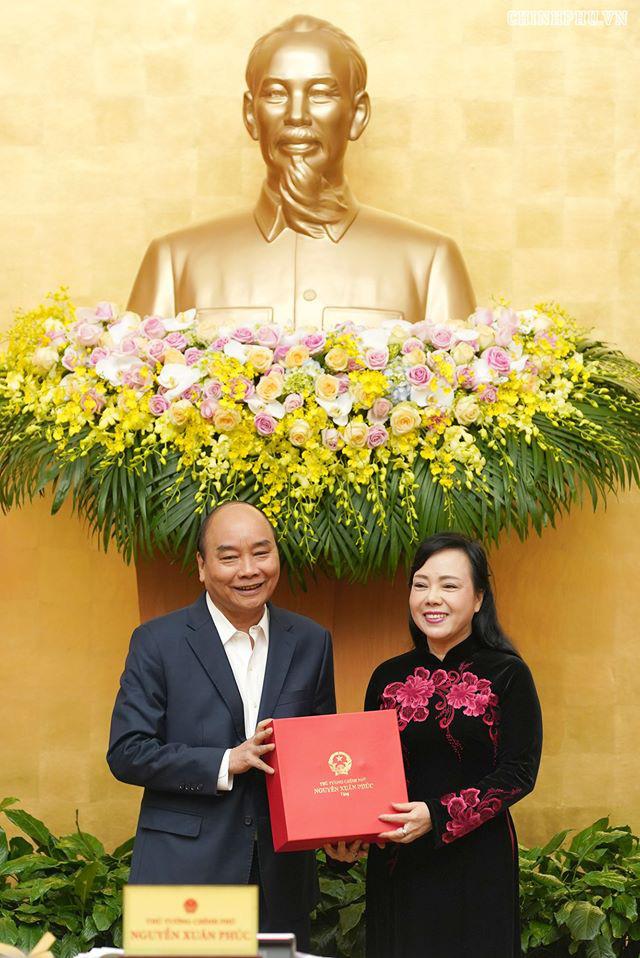 Thủ tướng chúc mừng bà Nguyễn Thị Kim Tiến hoàn thành nhiệm vụ Bộ trưởng Bộ Y tế  - Ảnh 1.