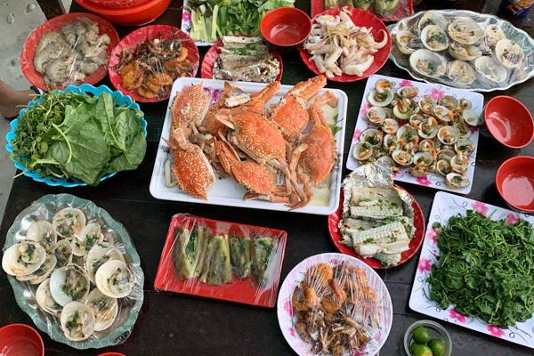 """Chợ hải sản """"không mặc cả"""" trên đảo Nam Du - Ảnh 9."""