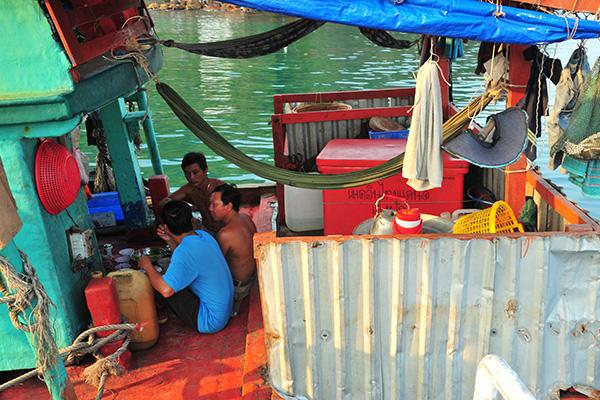 """Chợ hải sản """"không mặc cả"""" trên đảo Nam Du - Ảnh 6."""