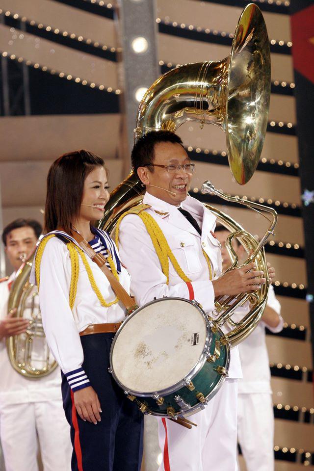 Chùm ảnh MC Lại Văn Sâm và MC Hoàng Linh có 13 năm đẹp đẽ cùng chuong trình Chúng tôi là chiến sĩ - Ảnh 10.
