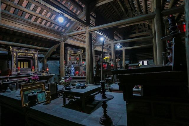 Độc nhất Hà Nội: Nhà cổ 300 tuổi làm từ gỗ lim nằm giữa vườn xanh mát mắt  - Ảnh 15.