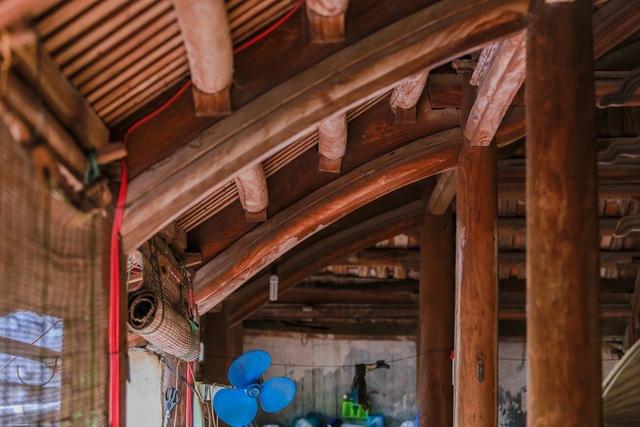 Độc nhất Hà Nội: Nhà cổ 300 tuổi làm từ gỗ lim nằm giữa vườn xanh mát mắt  - Ảnh 16.