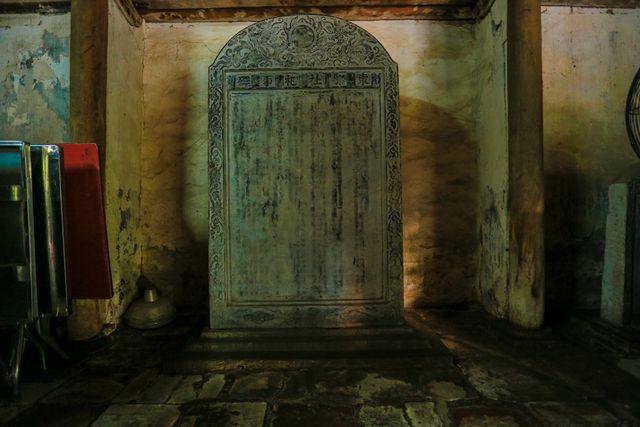 Độc nhất Hà Nội: Nhà cổ 300 tuổi làm từ gỗ lim nằm giữa vườn xanh mát mắt  - Ảnh 11.