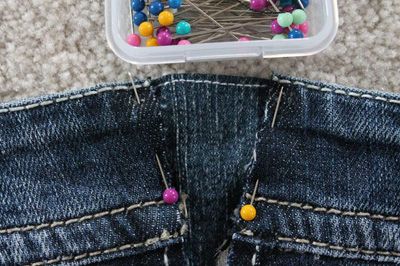 Quần jean bỗng chật cứng vì bạn tăng cân, đừng quá buồn mà vứt vào góc tủ, đây là cách giúp nó rộng trở lại - Ảnh 9.