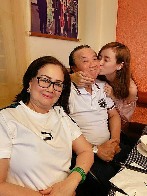 Vợ Hoài Lâm đón sinh nhật bên nghệ sĩ Bảo Quốc - Ảnh 2.