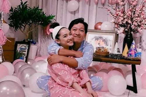 Cuộc sống hôn nhân kỳ lạ tới khó tin của Trấn Thành - Hari Won và Trường Giang, Nhã Phương - Ảnh 4.