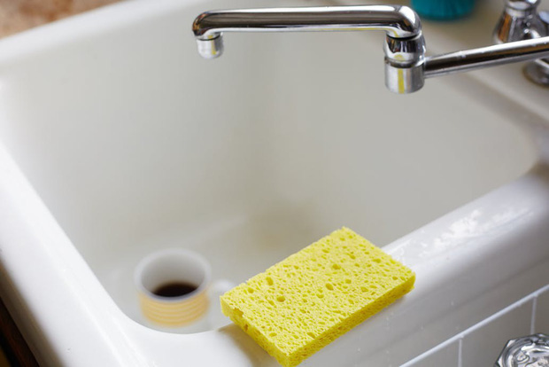 Sai lầm độc khủng khiếp khi rửa bát bạn phải bỏ ngay nếu không muốn rước bệnh vào người - Ảnh 3.