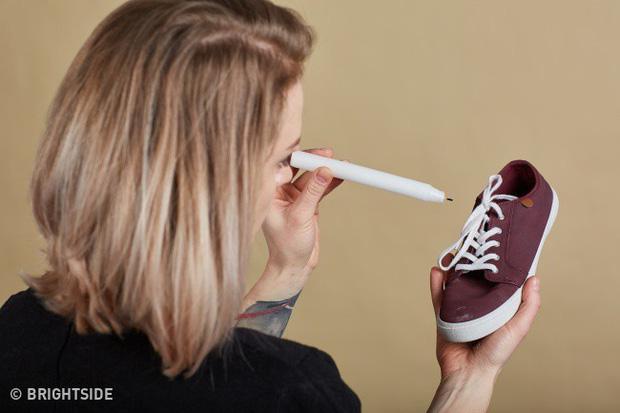 9 mẹo hay ho giúp giữ đôi giày của bạn lúc nào trông cũng sạch và bền như mới mua - Ảnh 4.