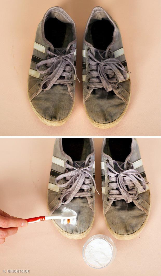 9 mẹo hay ho giúp giữ đôi giày của bạn lúc nào trông cũng sạch và bền như mới mua - Ảnh 7.