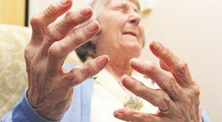 Đang ngủ say bỗng bật dậy vì đau nhức ngón tay dữ dội - Ảnh 1.