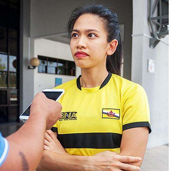 Công chúa Hoàng tử Brunei  giàu có vẹn tròn tài sắc đang thi đấu gây ấn tượng tại Sea Games 30 - Ảnh 4.