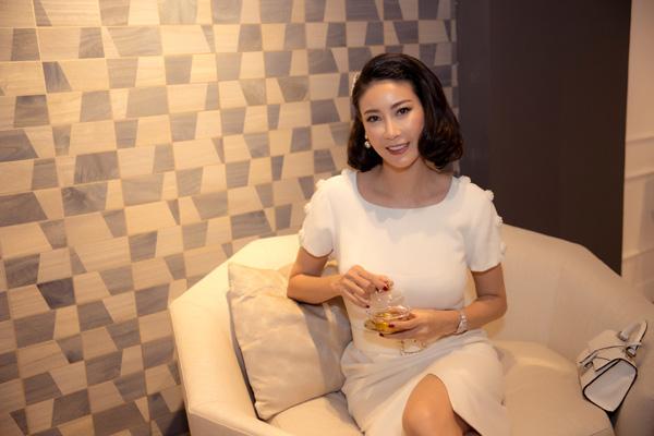 27 năm sau đăng quang Hoa hậu Việt Nam, Hà Kiều Anh xuất hiện gây bất ngờ với nhan sắc không tuổi - Ảnh 6.