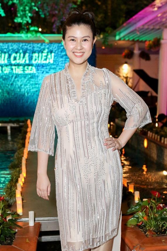 Nhan sắc hiện tại của diễn viên Kim Thư sau khi khởi nghiệp lại ở tuổi 40 - Ảnh 11.