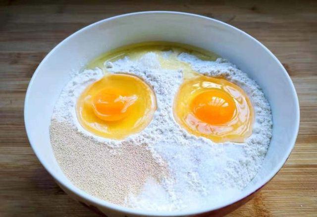 Tuyệt chiêu làm bánh quẩy ngon giòn rụm tại nhà, siêu hấp dẫn ngày lạnh  - Ảnh 2.